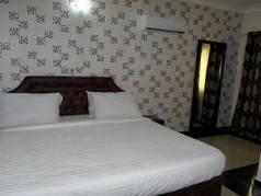 Sawalino Hotel and Suites image