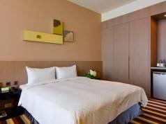 Grand Royal Hotel image
