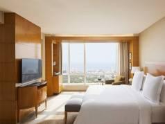 Four Seasons Hotel Mumbai image
