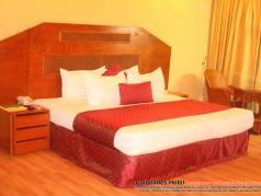 Colonades Hotel  image